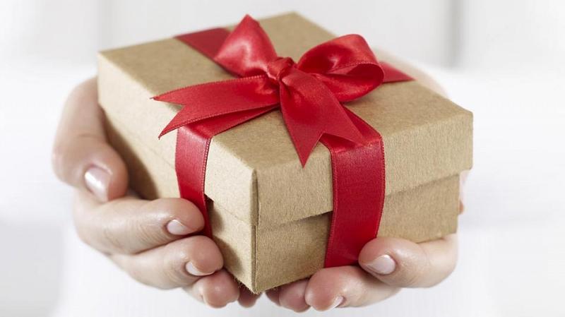 Az ajándékozás története